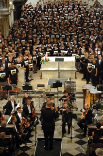 468 choristers singing in the Cathedral in Hradec Kralove
